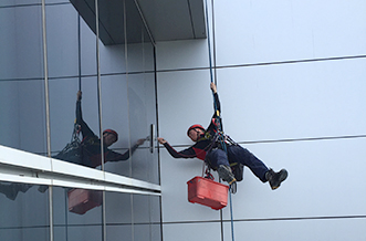 commercial-window-cleaning-Sydney